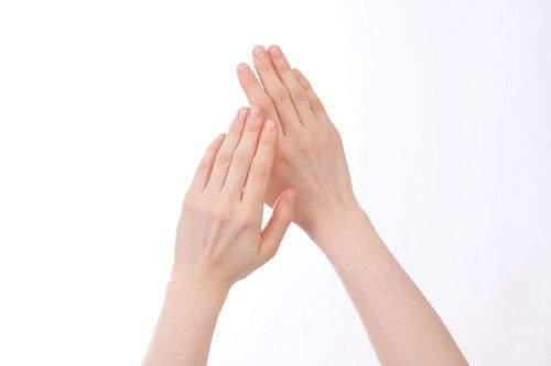 骨格ナチュラルの手首の特徴